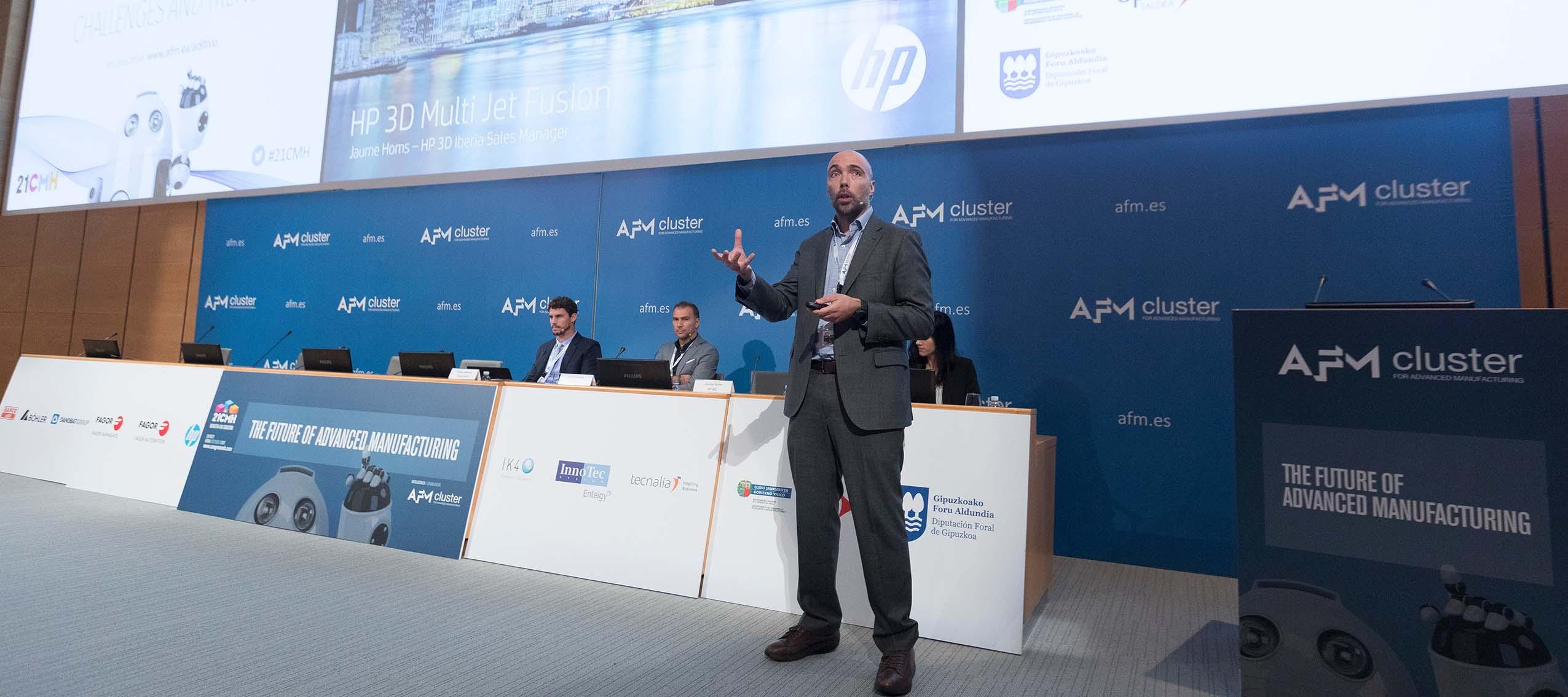 Terry Wohlers fue el encargado de la apertura de la sesión de Fabricación Aditiva del 21 Congreso de Fabricación Avanzada
